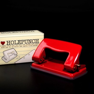 6455_holepunch_with_pack_bk